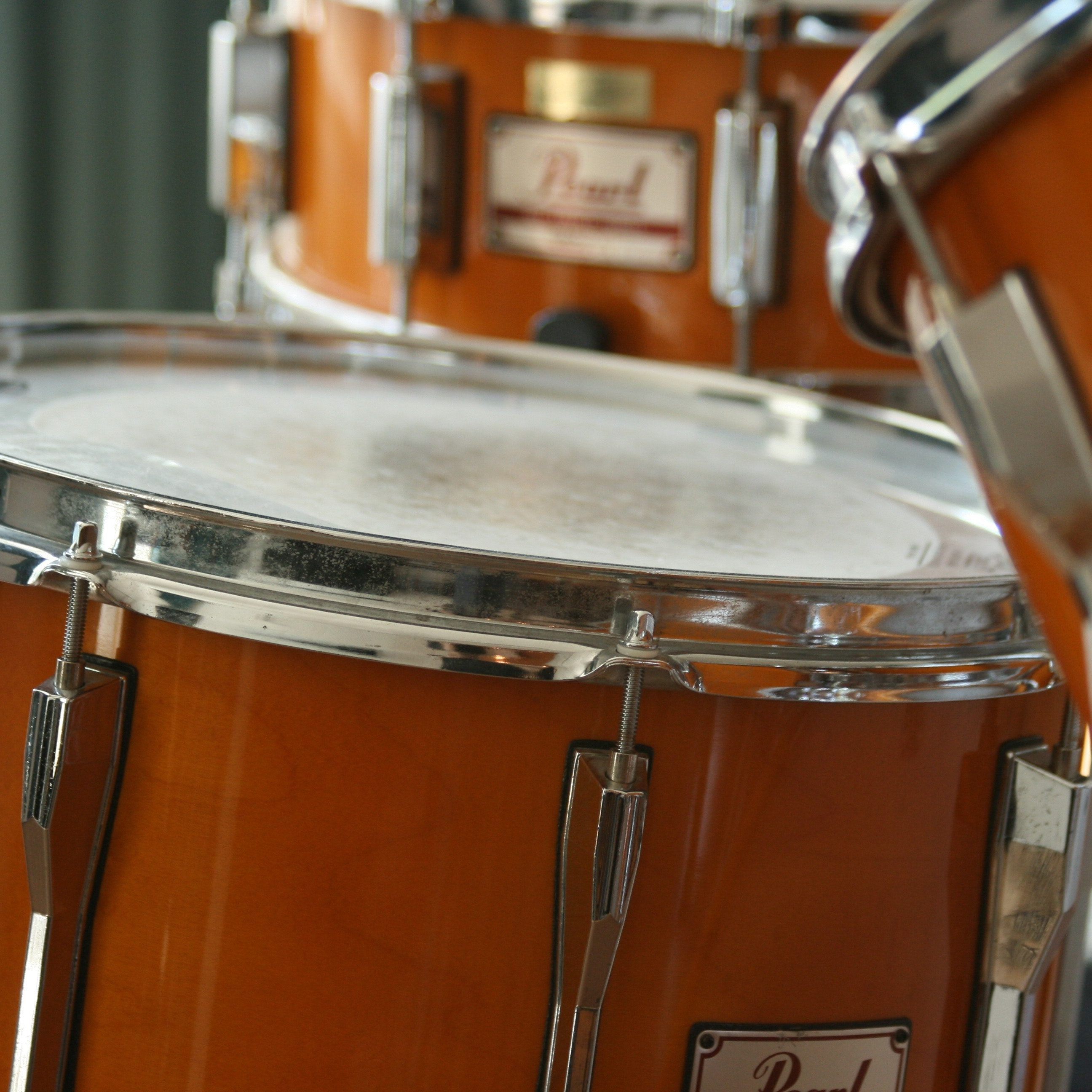 close-up-drum-set-drums-60636